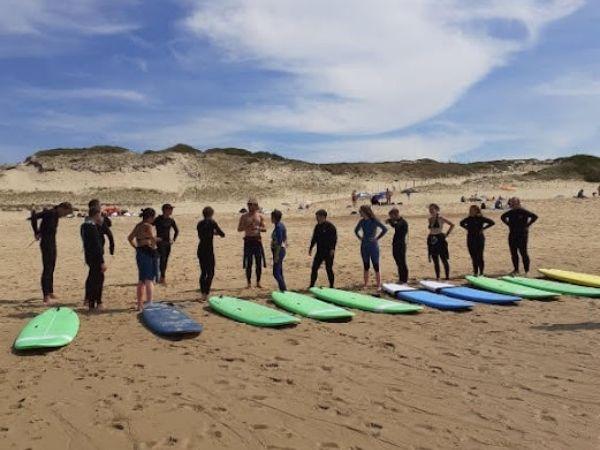 Surf avec Nos Couleurs